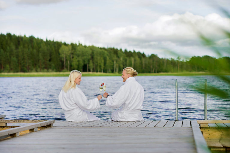 Njut av en romantisk weekend på Dömle Herrgård Spa & Resort