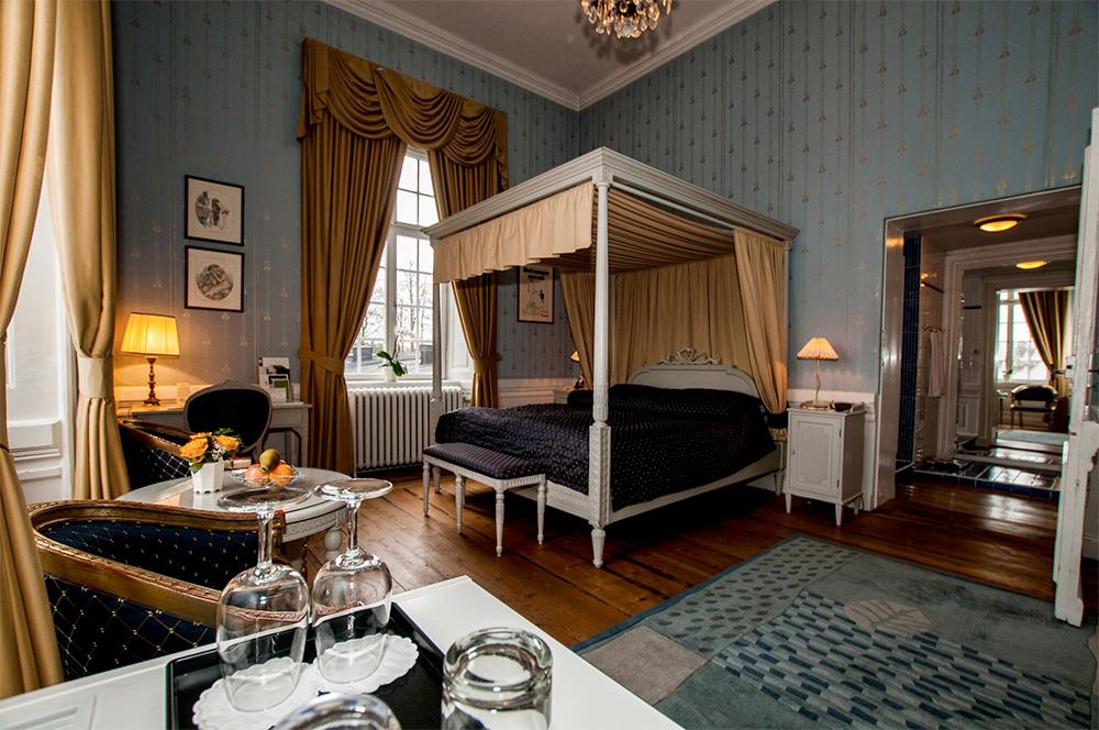 Ett av Gimo Herrgårds hotellrum