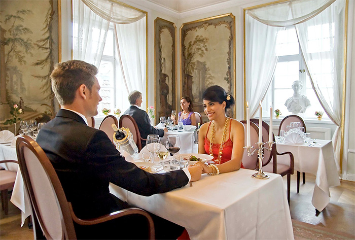Åk på en romantisk weekend på Mauritzberg slott
