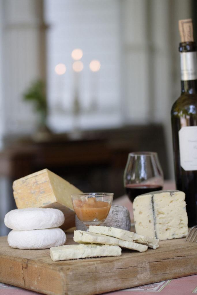 Njut av ost och vin på Villa Sjötorp