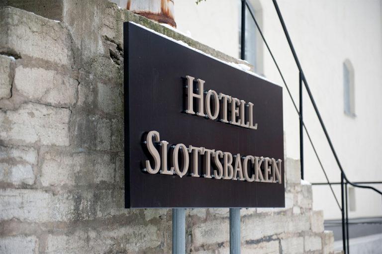 Hotell Slottsbackens skylt