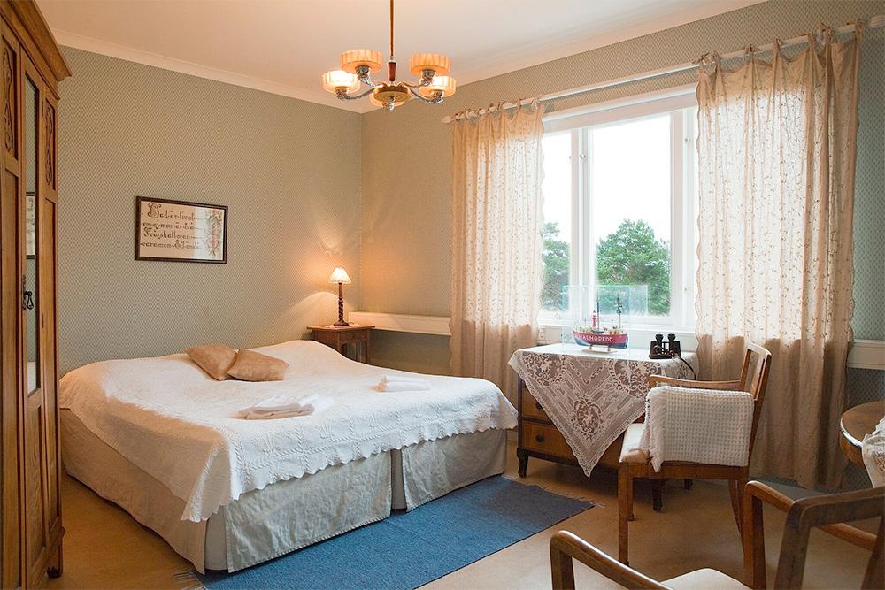 Mysigt hotellrum på Pensionat Styrsö Skäret