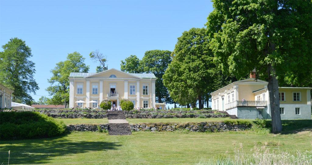 Weenresor och hotellpaket på Asa Herrgård
