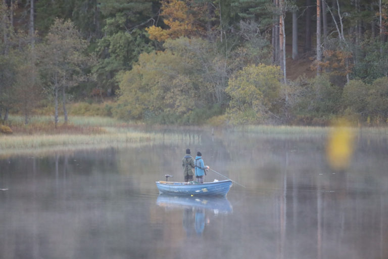 Boka fiskepaket på Hestraviken