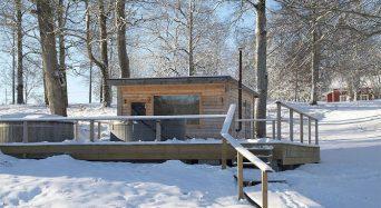 Njut av vintertiden och ta ett isvaksbadpaket på Asa Herrgård
